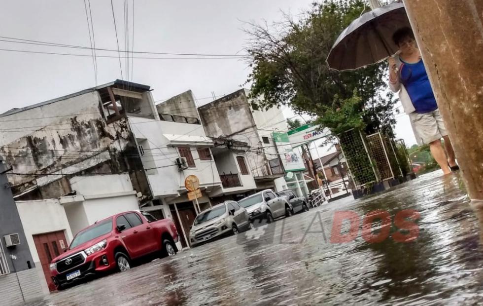 Fotos y vídeos: La lluvia complicó a Corrientes luego de casi 130 milímetros de agua caída