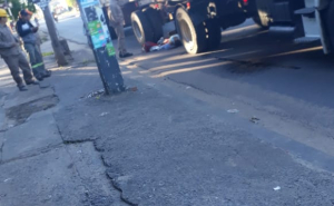 La mujer atropellada por un camión huía de un arrebato y fue empujada debajo del vehículo