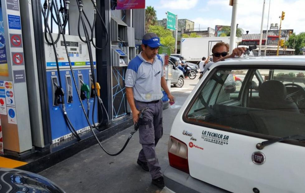 Corrientes: El combustible aumentó casi un 75% en el año