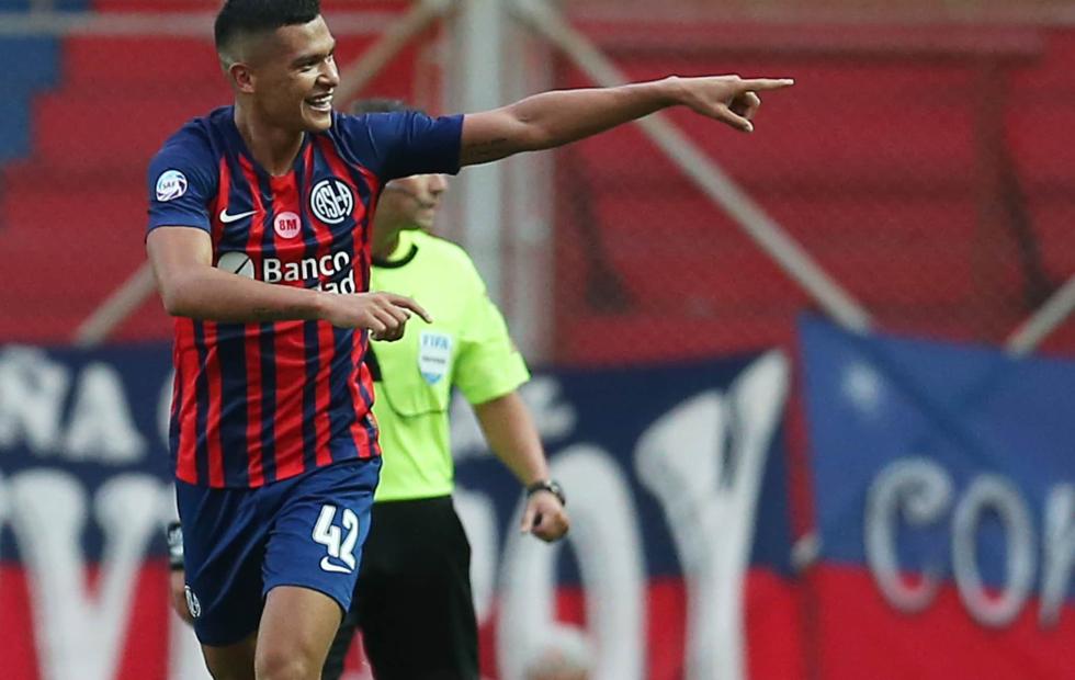 Palmeiras vuelve a la carga por el correntino Herrera