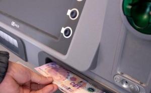 Desde el lunes, se pagan sueldos de febrero a estatales provinciales