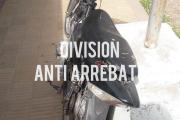 Policías que perseguían  a delincuentes en moto fueron repelidos por vecinos en Cuba y Milán