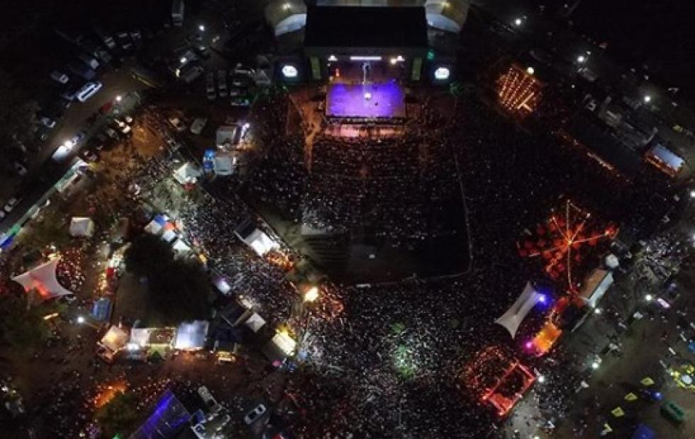 Video: Lucas Sugo hizo vibrar la Fiesta del Surubí ante 20 mil personas