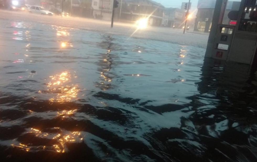 Fotos: Calles inundadas en Corrientes por las fuertes lluvias
