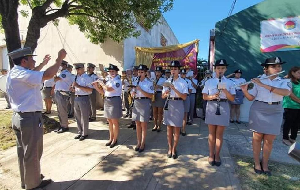 Video viral: El simpático baile de agentes Penitenciarios correntinos en el acto de un CDI municipal