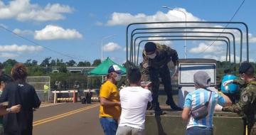 La pesadilla de una correntina que quedó atrapada en un puente que une a Argentina con Brasil