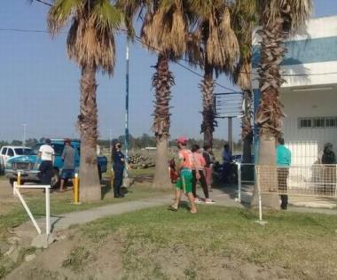 bolivianos votando en Santa Lucia.jpg