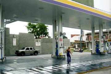 estacion de servicio poca genye.jpg