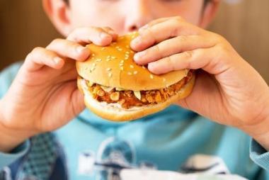 hamburguesa-niño.jpg
