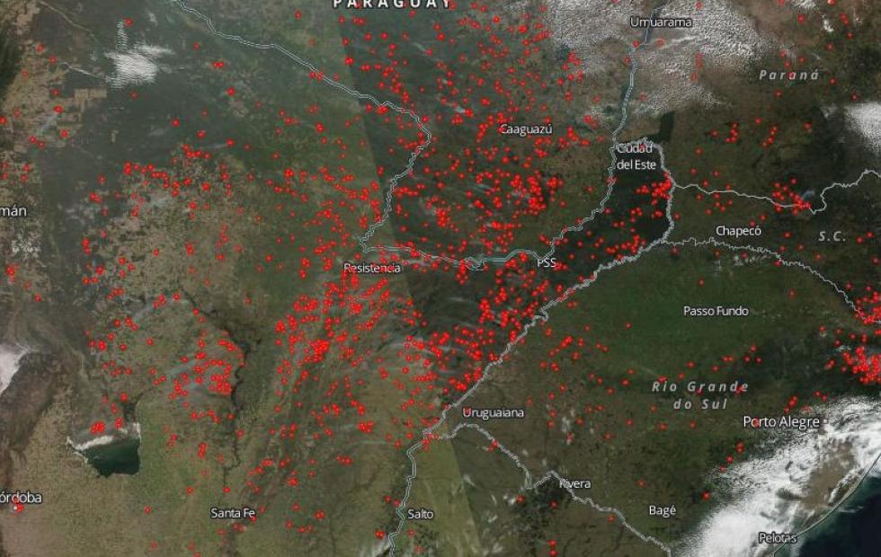 """Incendios en el Amazonas: Mañana llegaría """"humo más directo"""" al Nordeste argentino"""
