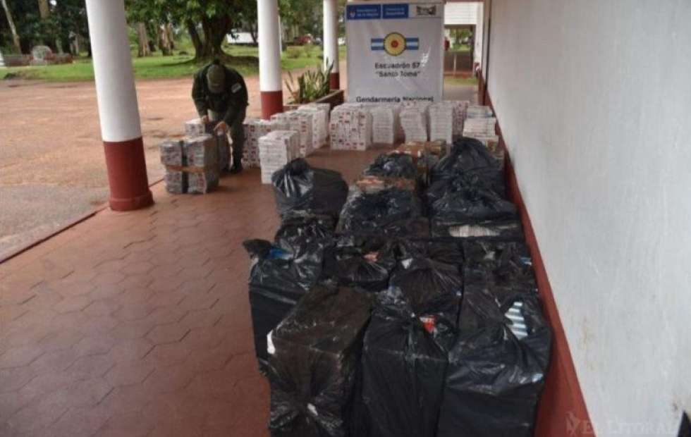 Desbaratan contrabando millonario de cigarrillos en Corrientes