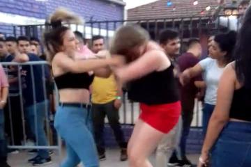pelea mujeres wara.jpg copy