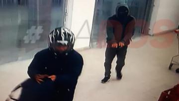 Corrientes: Motochorros robaron 24 mil pesos de un súper chino a mano armada