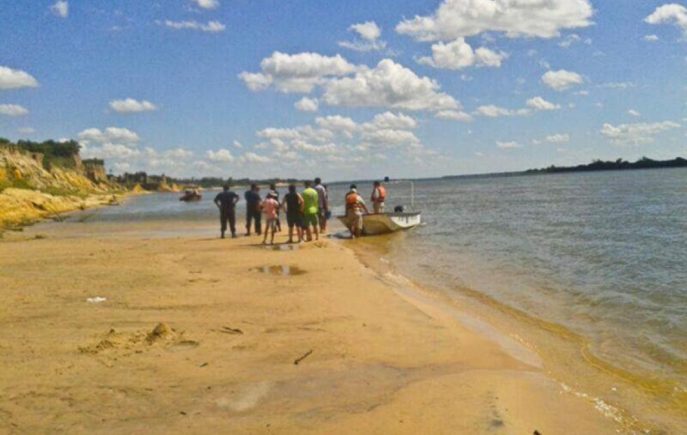 Triste hecho en una playa de Corrientes: Tres personas desaparecieron de las aguas en Empedrado