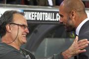 """Elogio de Pep Guardiola a Marcelo Bielsa: """"Es quizás el mejor entrenador del mundo"""""""