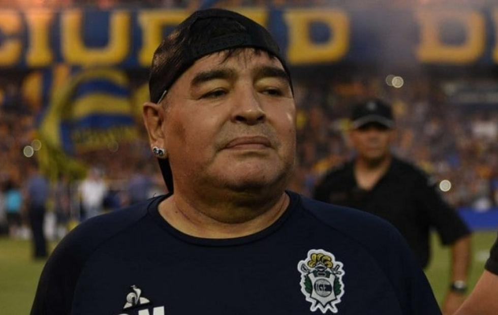 Bomba: Diego Maradona serio candidato a dirigir la selección de España