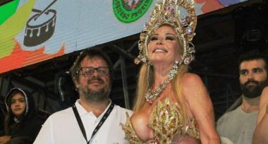 Fotos y videos: A los 67 años Graciela Alfano se lució en el carnaval de Corrientes