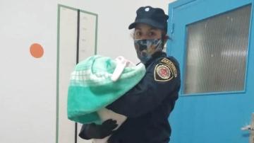 policia-beba-tapa.jpg