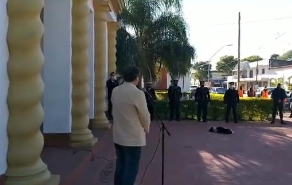 Insólito video: un intendente correntino confundió el 25 de mayo con el Día de la Independencia
