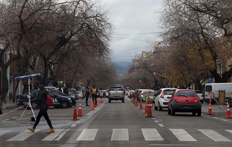 Por el Día del Estudiante, Mendoza prohíbe toda circulación durante 72 horas